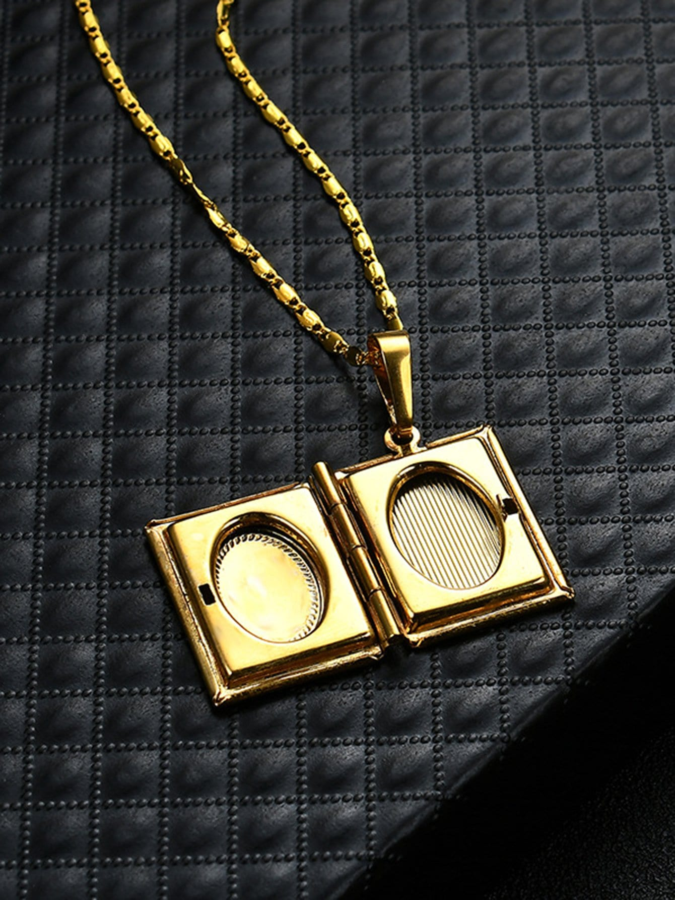 at prices dzinetrendz com only on finish thumb buy gold pendant locket in heartshape winsant low openable photo product india