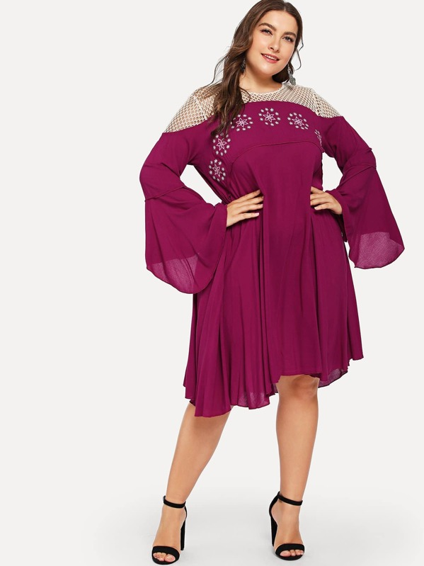 36f8acf944 Plus Contrast Fishnet Shoulder Bell Sleeve Embroidered Dress | SHEIN