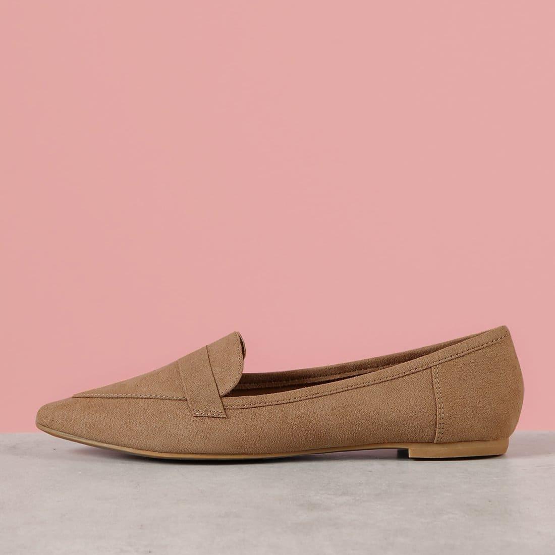Веганские замшевые туфли с острым носом на плоской подошве от SHEIN