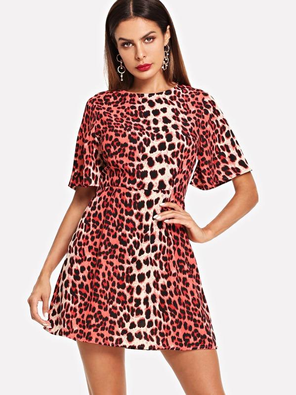 14969d753 Vestido con estampado leopardo