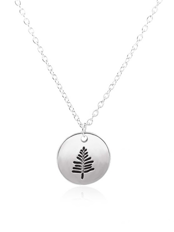 ac45e1951d Tree Engraved Round Pendant Necklace   SHEIN