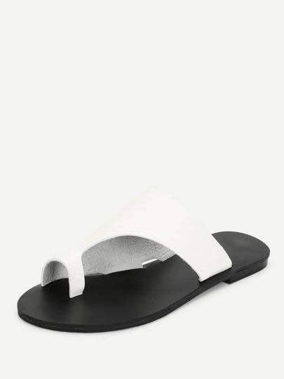 99fc41d871ee Toe Ring Flat Sandals -SheIn(Sheinside)