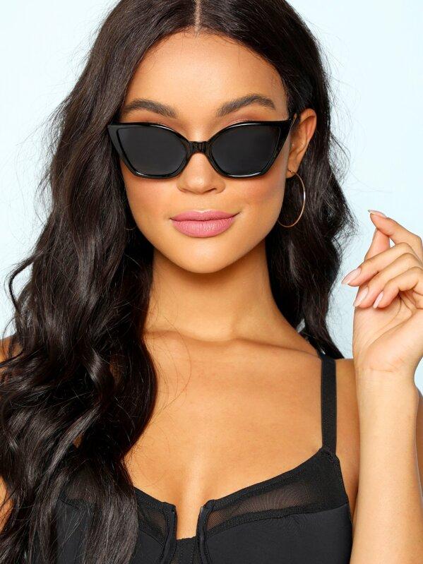 230a63d568c8 Cat Eyed Sunglasses