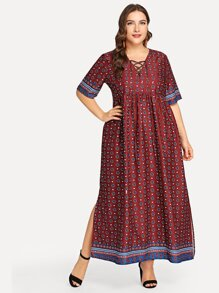 Plus Split Hem Calico Print Dress