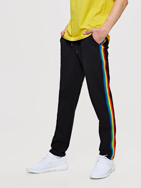 98805c06681f Pantalones de hombres de cintura con cordón de lado de rayas de arcoíris |  SHEIN