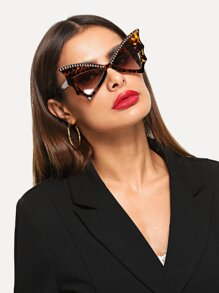 Stud Decorated Cat Eye Sunglasses