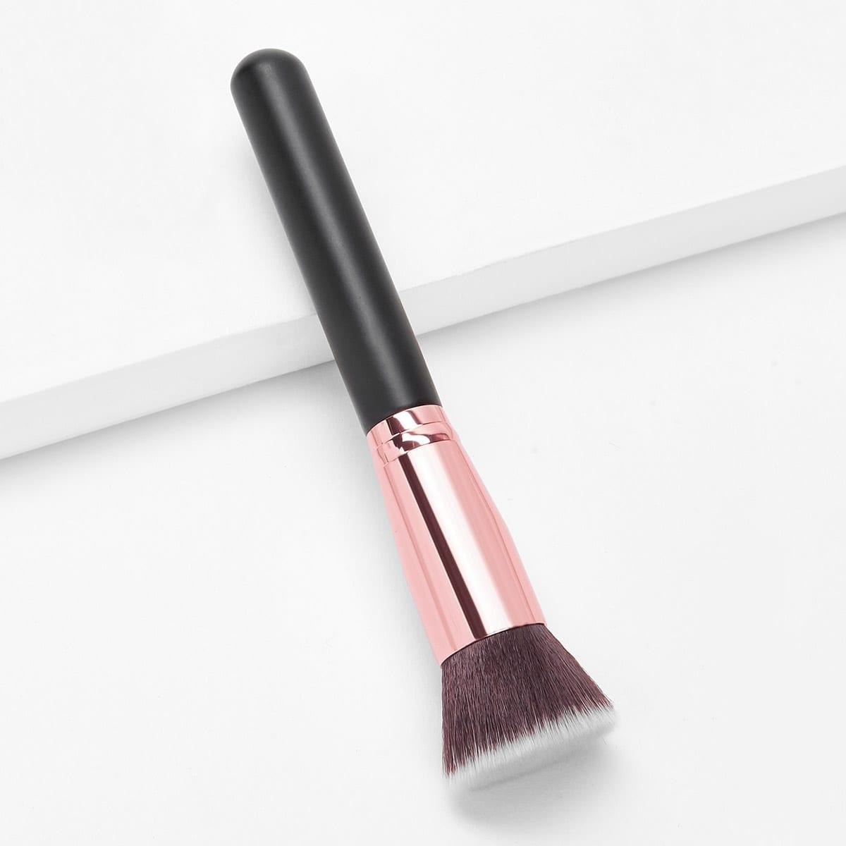 Кисть для макияжа с двухцветной ручкой 1  шт