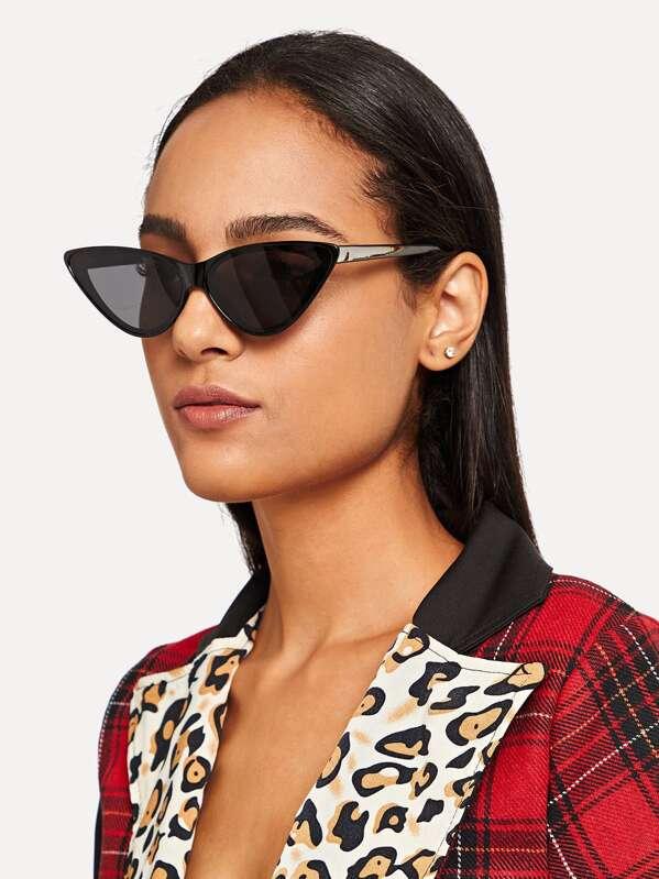 f0950507b9 Flat Lens Cat Eye Sunglasses   SHEIN IN