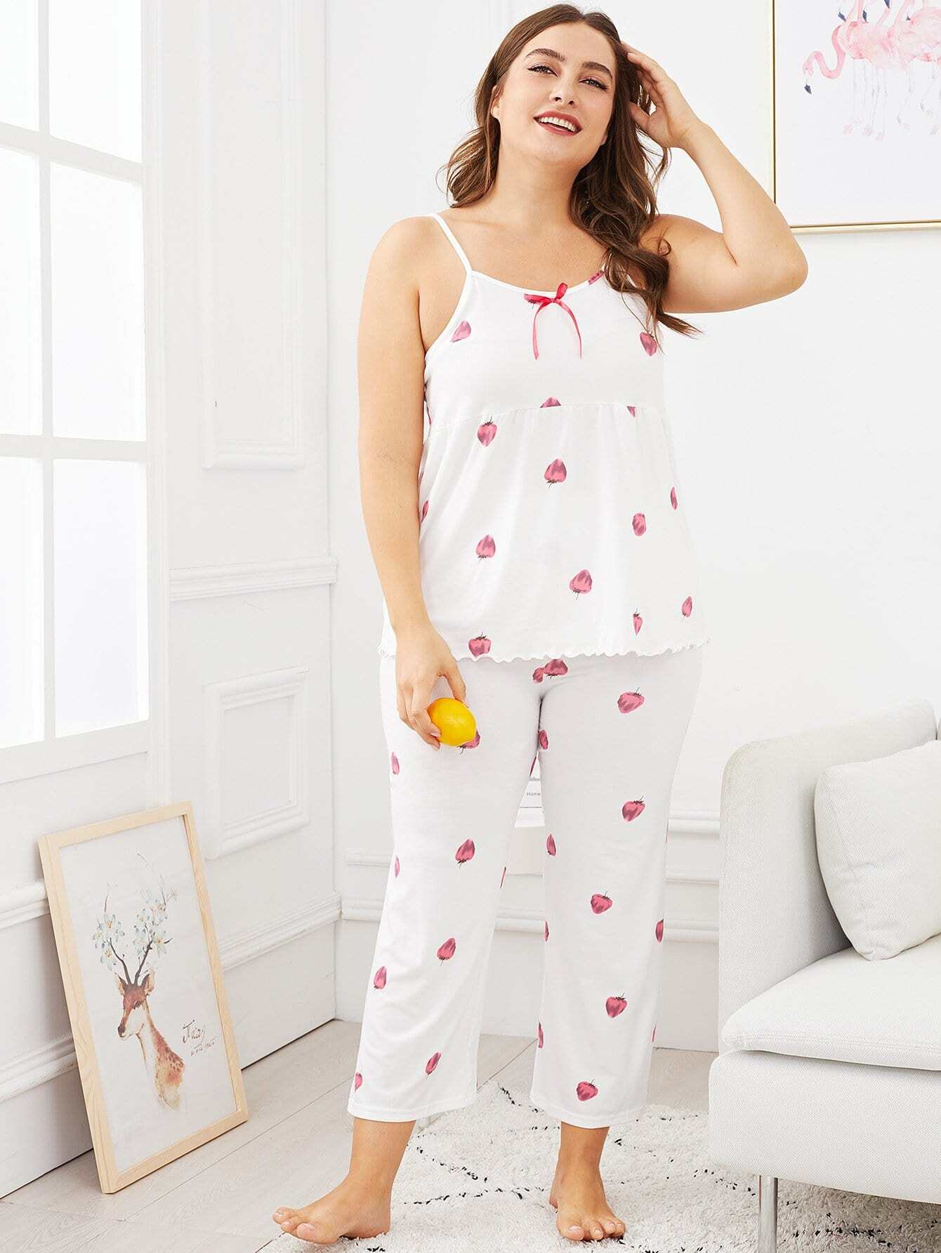 grande taille ensemble de pyjama caraco imprim fraise robe de chambre french shein sheinside. Black Bedroom Furniture Sets. Home Design Ideas