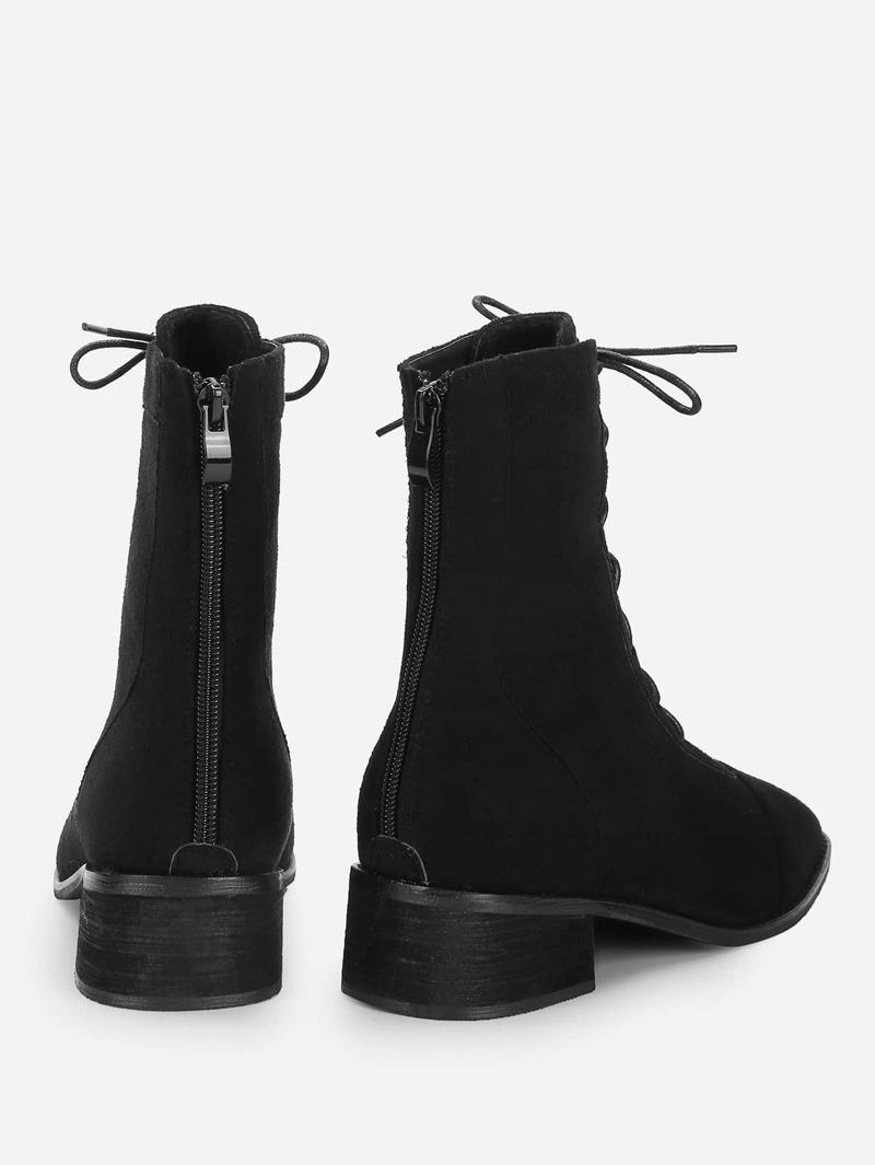 Durchsuchen Sie die neuesten Kollektionen zuverlässige Qualität Großhandelsverkauf Klobige Stiefel mit PU Panel und Reißverschluss hinten
