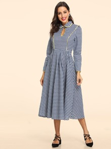 Keyhole Front Plaid Collar Dress