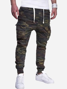 Men Pocket Detail Camo Print Pants