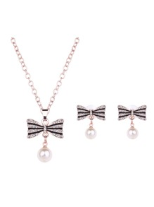 Bow Detail Pendant Necklace & Earrings