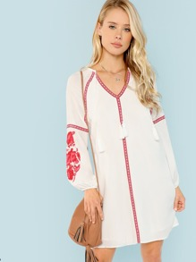 Raglan Sleeve Tassel Detail Dress