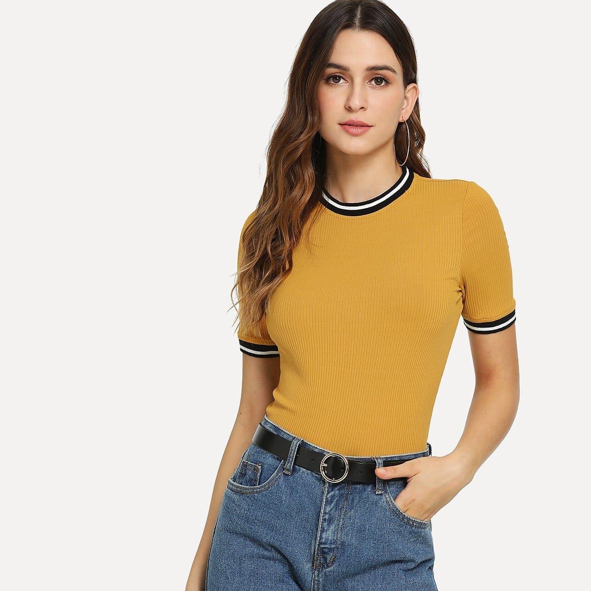 Tee-shirt en tricot côtelé à bord rayé