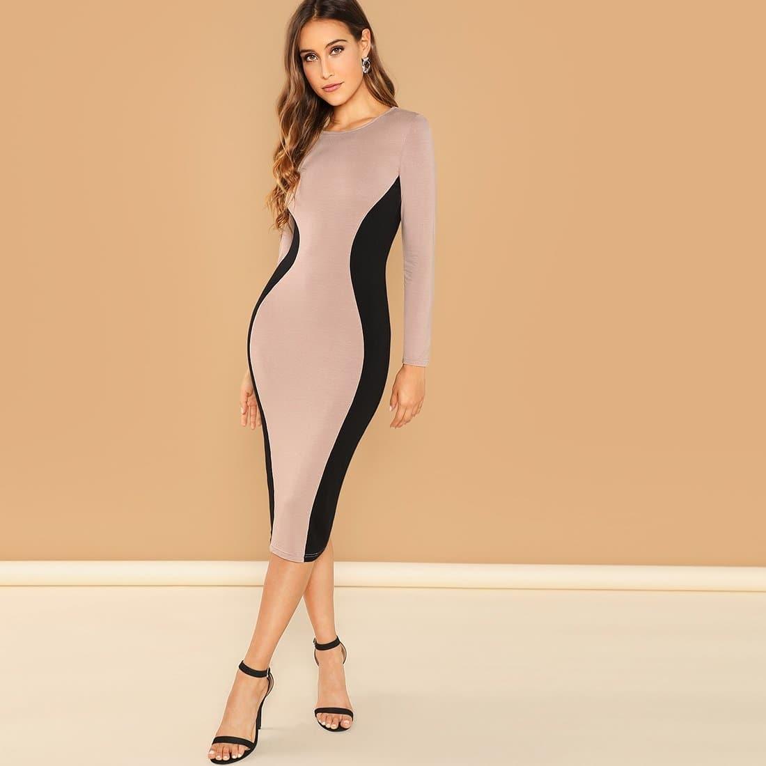 Контрастное платье-футляр