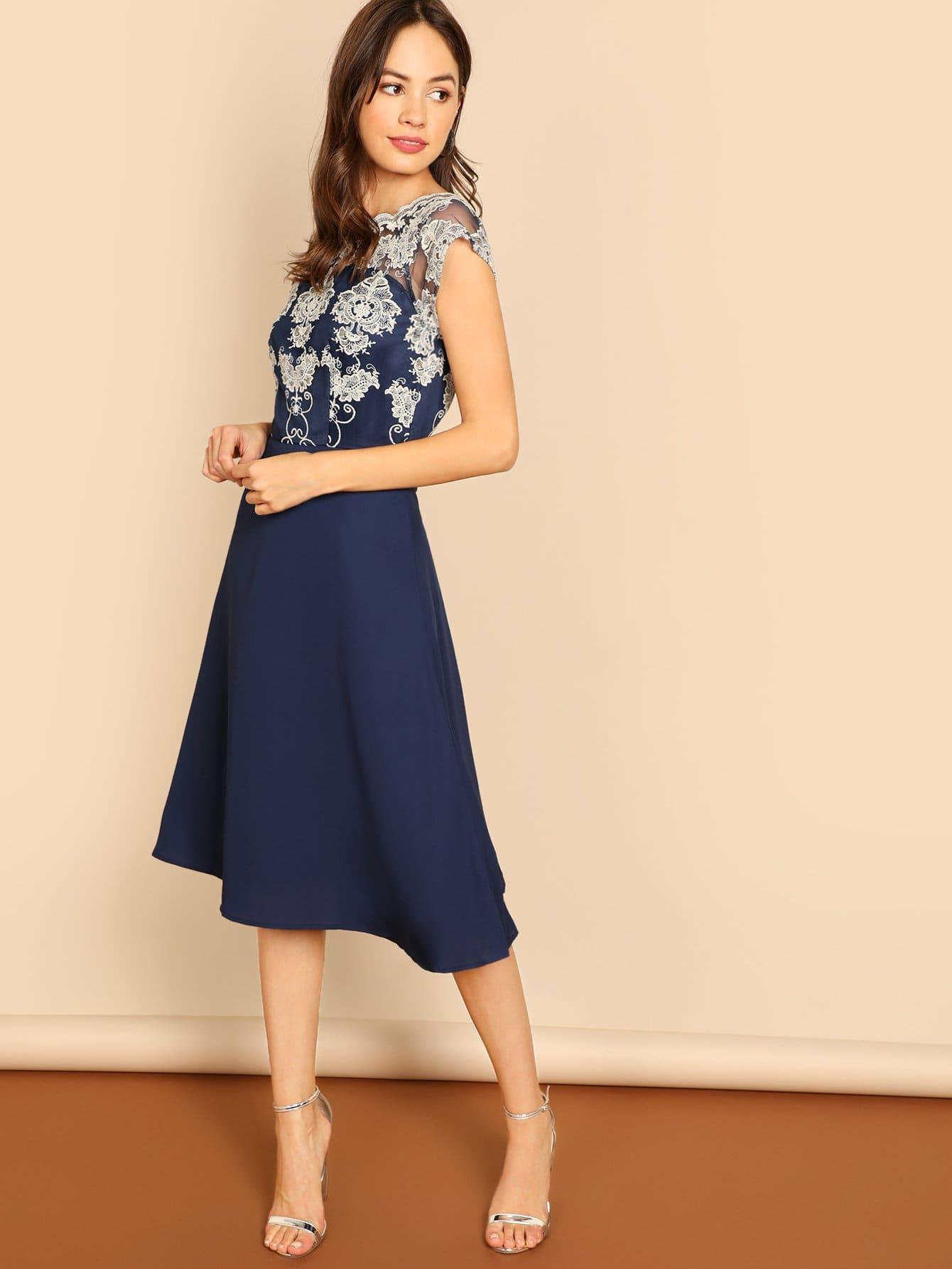 409b01e356 Guipure Lace Bodice Flare Dress | SHEIN