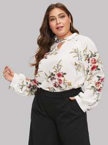 Plus Raglan Sleeve Floral Cut Out Blouse