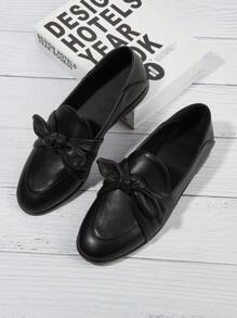 Bow Tie Flats