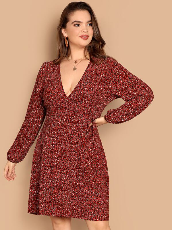 28b81b8347 Plus Ditsy Floral Print V Neck Dress | SHEIN
