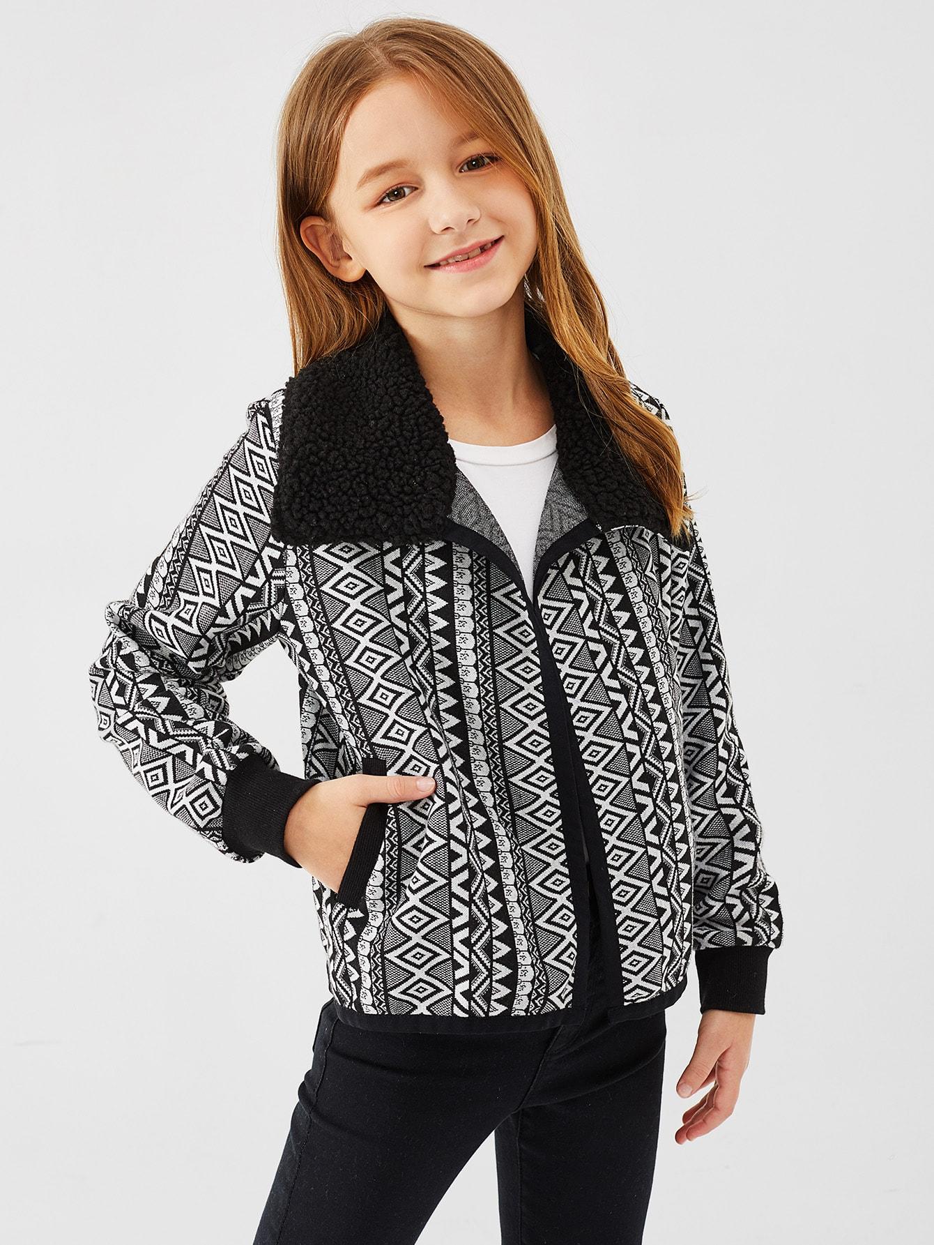 Girls Contrast Faux Fur Collar Geo Jacket Girls Contrast Faux Fur Collar Geo Jacket