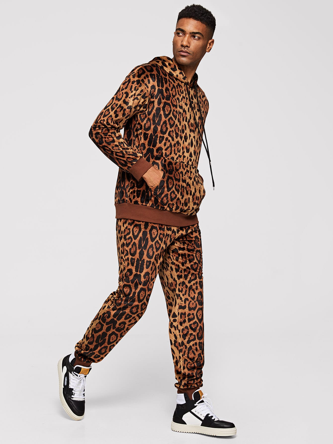 Men Leopard Drawstring Hoodie & Pants Set Men Leopard Drawstring Hoodie & Pants Set