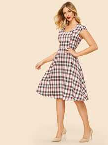 60s Sweetheart Neck Fit & Flare Plaid Dress