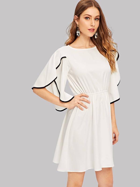 7143aa79b526 Contrast Binding Flutter Sleeve Dress | SHEIN
