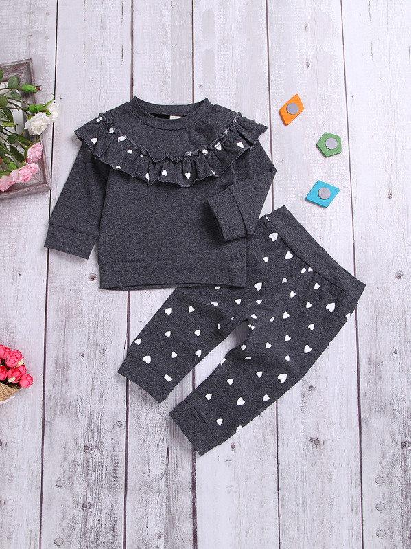 96071cfc0 قميص ثقيل للبنات الصغار مكشكش بهدب مع سروال بنمط القلوب | شي إن