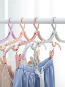 Random Color Foldable Hanger 4pcs With Clips