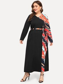 Plus Contrast Chain Print Belted Dress