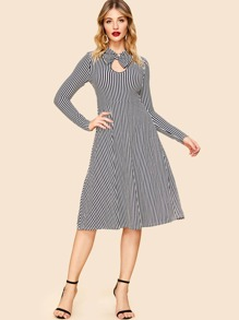80s Bow Embellished Keyhole Front Striped Dress