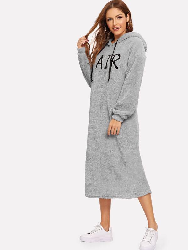 sélectionner pour authentique sur des pieds à comment choisir Robe sweat-shirt à capuche en tissu duveteux avec cordon et imprimé