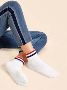 Striped Pattern Socks 1pairs
