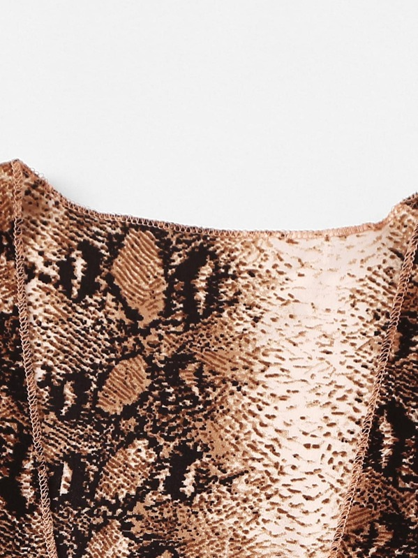 Knot Hem Snake Print Top With Shorts by Sheinside