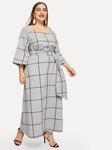 Plus Scoop Neck Grid Dress With O-ring Belted