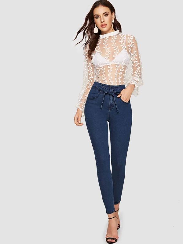 8ae82fdb6bfb4 سروال جينز نحيل مع حزام ذاتي. AddThis Sharing Buttons