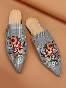 Flower Embroidery Point Toe Flat Mules