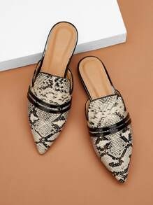 Snakeskin Pattern Point Toe Flat Mules