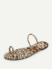 1efb33cf669c Leopard Pattern Toe Ring Slippers | SHEIN