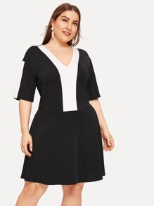 Plus Contrast Panel V-neck Dress