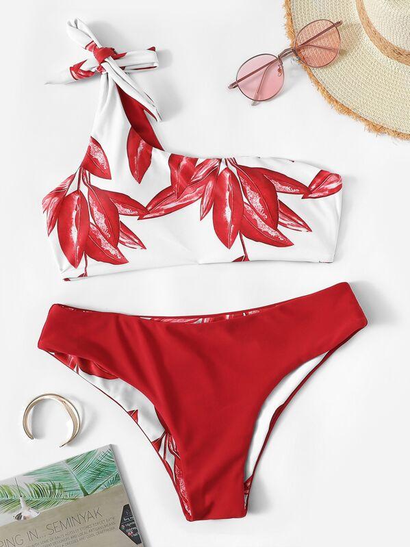 0a4269497940 Bikini de un hombro con estampado de hojas al azar