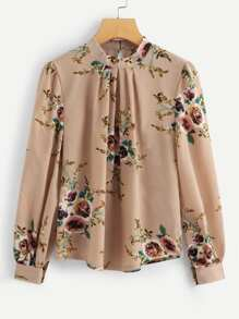 Plus Button Keyhole Floral Print Blouse