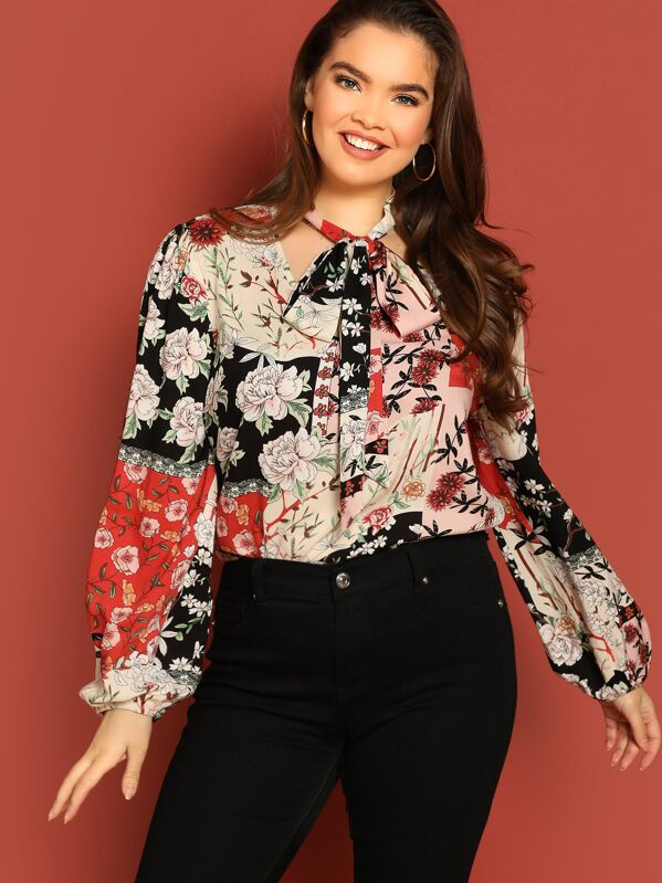 d19ca4ca66d7a0 Plus Chain Print Tied Neck Blouse | SHEIN IN