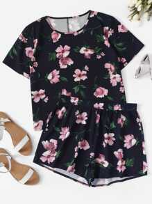 Plus Floral Print Tee With Shorts