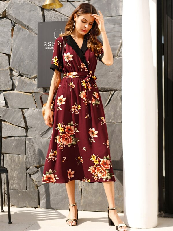 9867cd4cb5 Floral Print Contrast Notched Collar Belted Dress