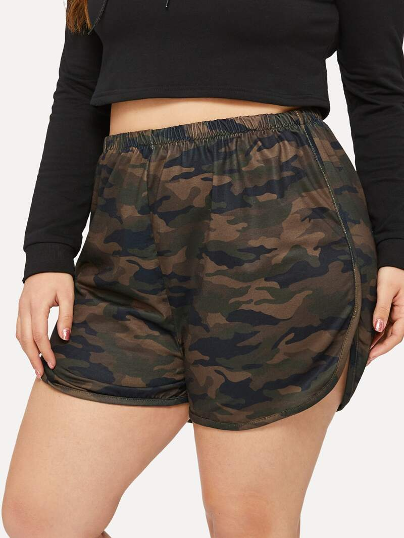 Plus Camo Print Elastic Waist Shorts by Romwe