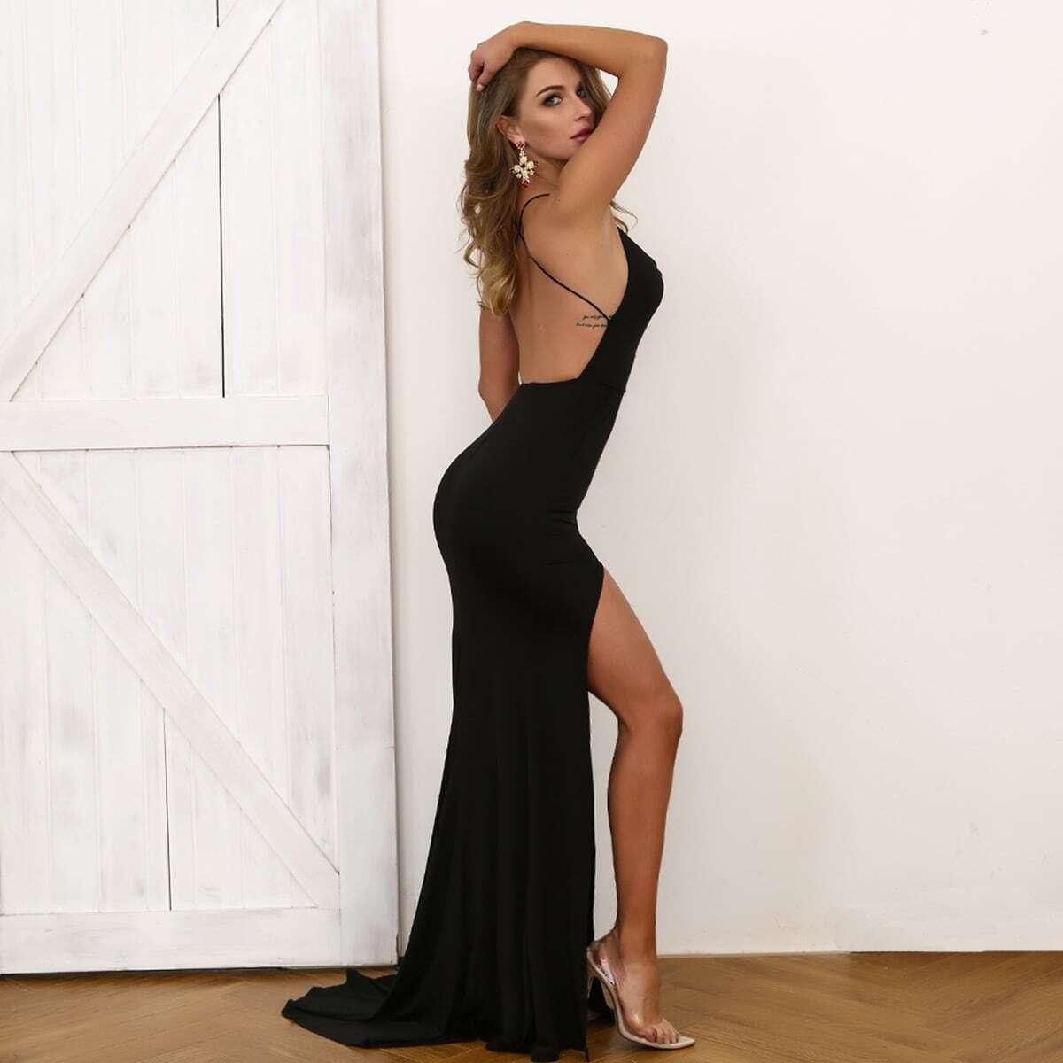 платье-халтер с высоким вырезом и открытой спинкой