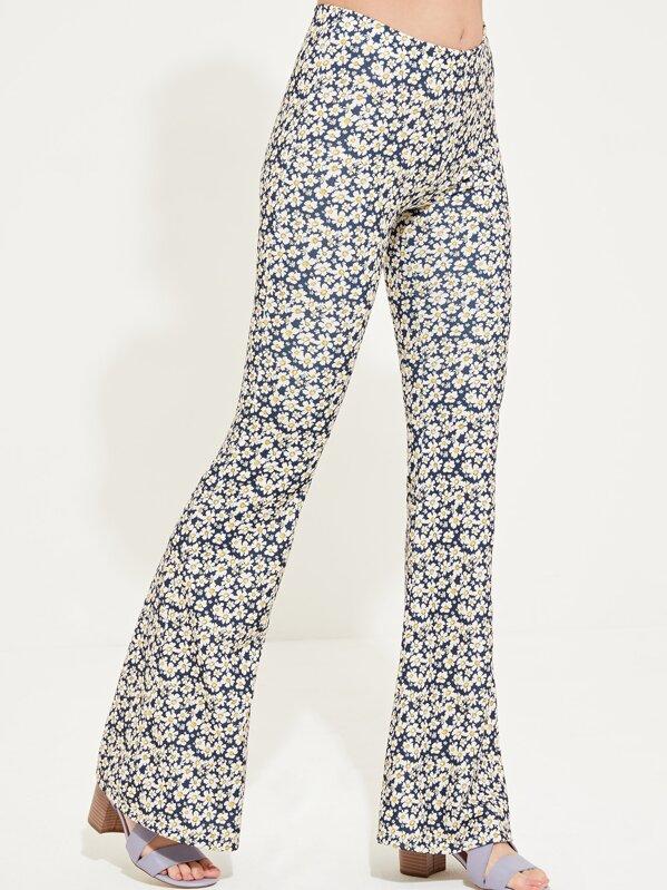 7d4e5671564e Daisy Print Flared Trousers | SHEIN UK