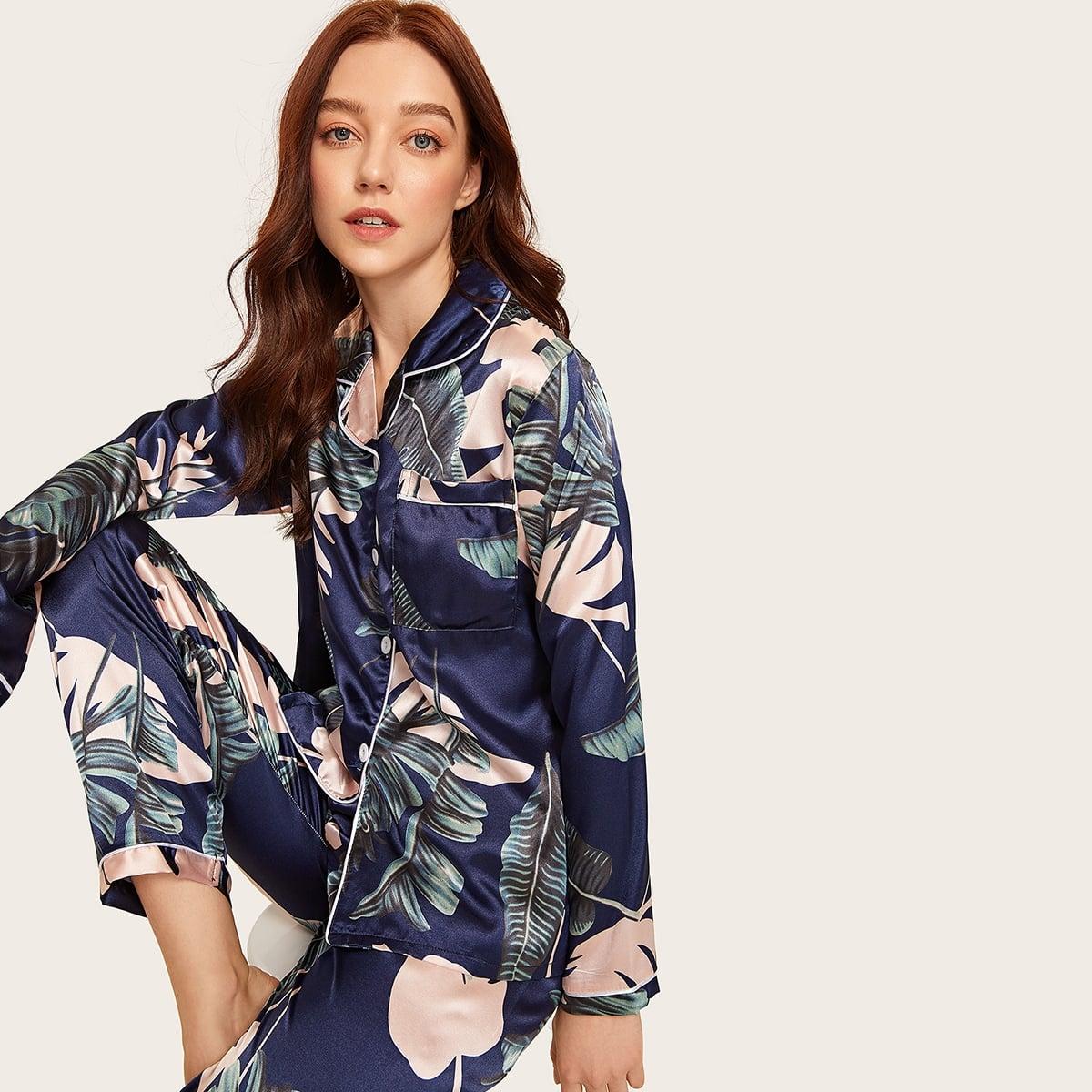 Атласный топ с графическим принтом и брюки пижама комплект